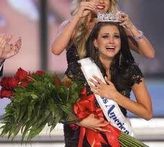 "Miss Wisconsin Laura Kaeppeler Crowned Newest ""Miss America"" In Las Vegas"