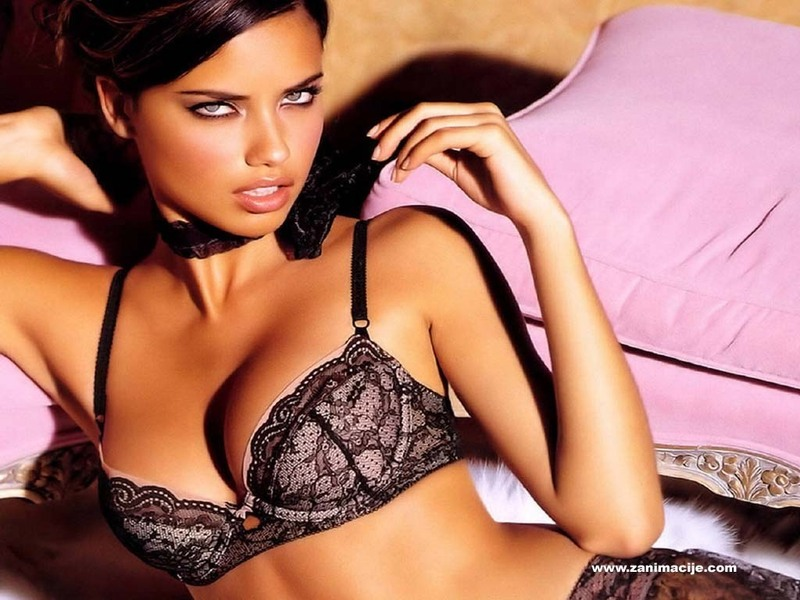 Victoria Secret Model Adrianna Lima Confirms Second Pregnancy