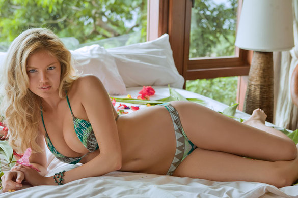 Kate Upton Snatches The Cover Of The Sports Illustrated Swimsuit Issue For 2nd Year In A Row