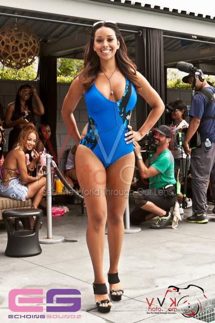 Gloria-Govan-showing-off-her-swimwear