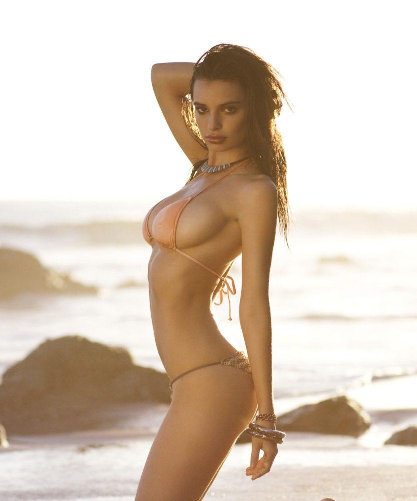 Emily-Ratajkowski-sexy-Surfline-bikini-pics21