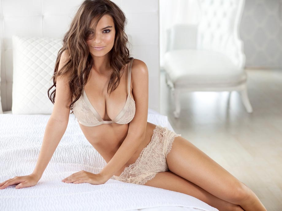 emily-ratajkowski-naked-princess-lingerie-march-2012-09