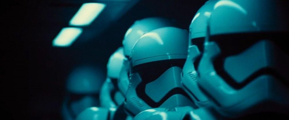 Star-Wars-7-Trailer-Photo-Stormtroopers-1024x426