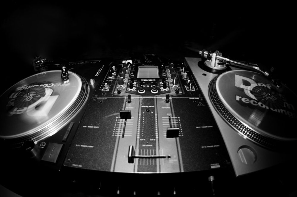 turntables_by_oemminus-d32rxh4